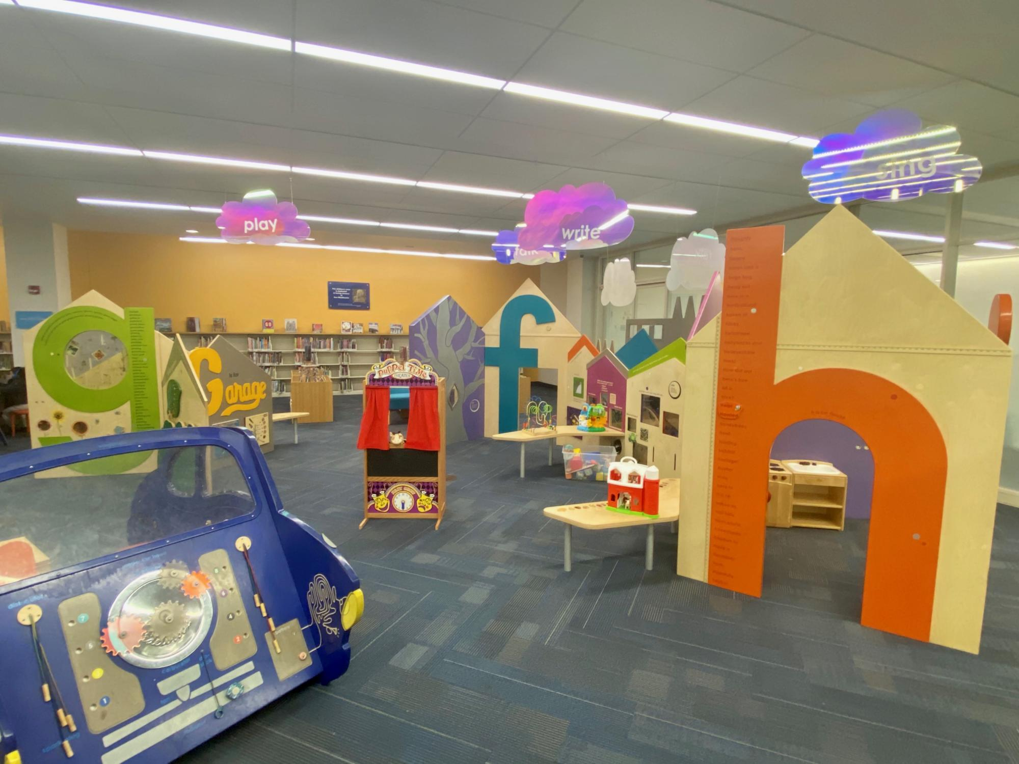 The play are includes many built-ins, a puppet theater, toys and puzzles.
