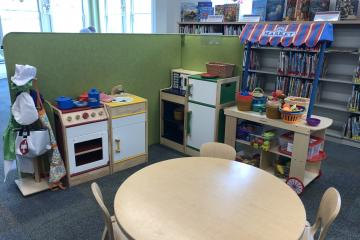 Thomas Memorial Library play kitchen area